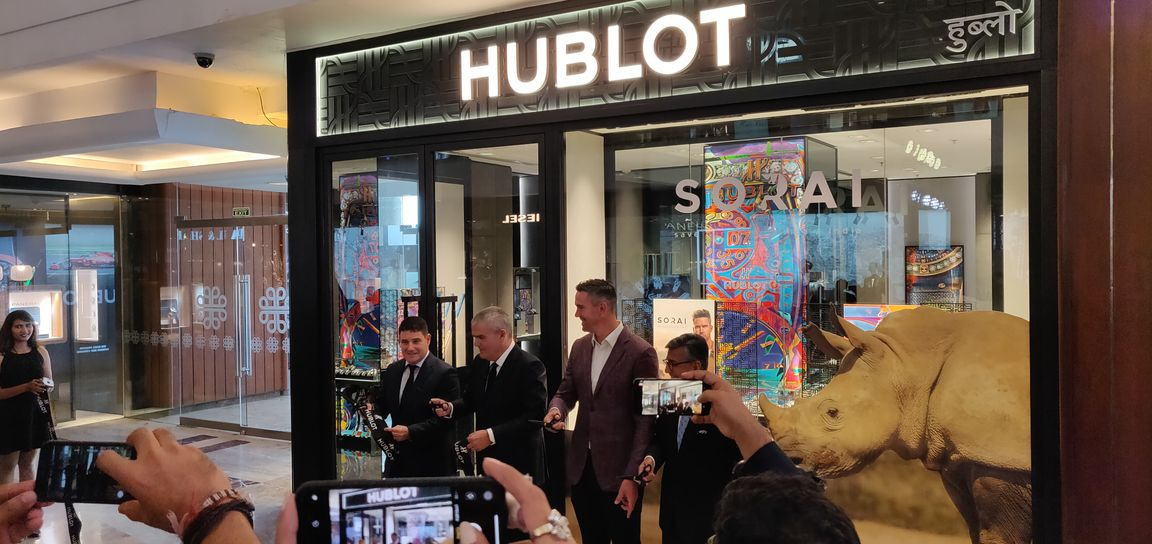 hublot store opening  - Hublot's maiden with Kevin Pietersen in India